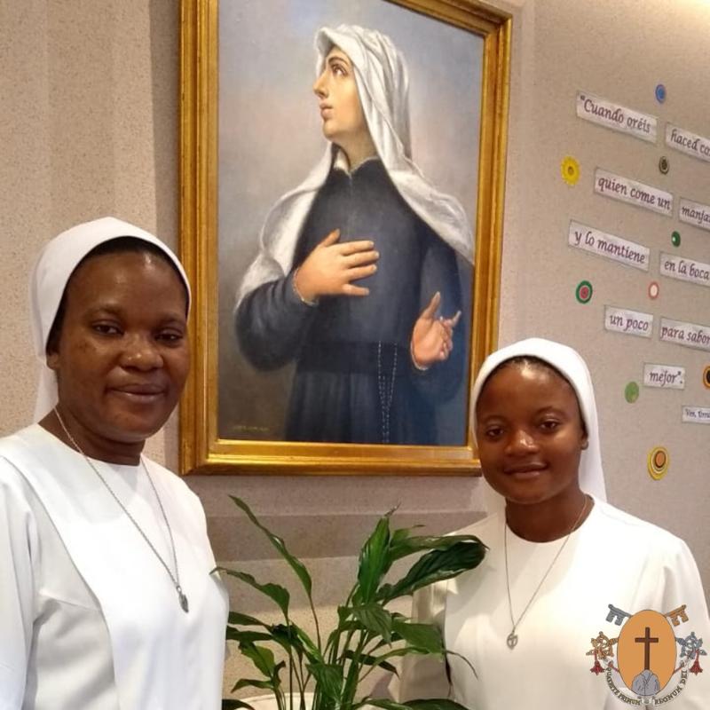 Renouvellement de la profession religieuse temporaire de deux sœurs théatines